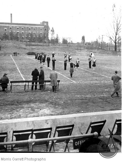 Band on Hanger Field