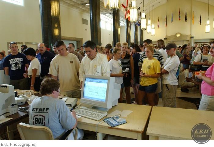 2001-08-12-new_studentdays-011.jpg