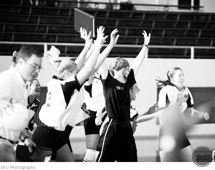 2001-08-14-volleyball_action-1.jpg