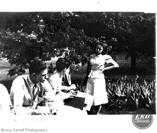 http://www.library-old.eku.edu/collections/sca/images/tnails/2006a001-176.jpg