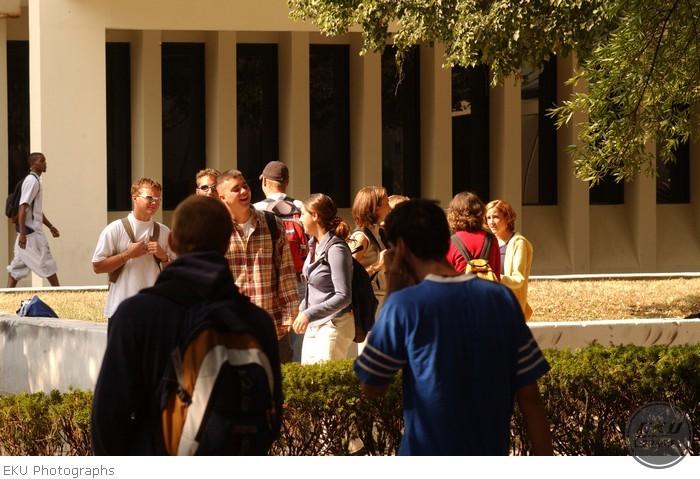 2001-09-17-campus_scenes-001.jpg