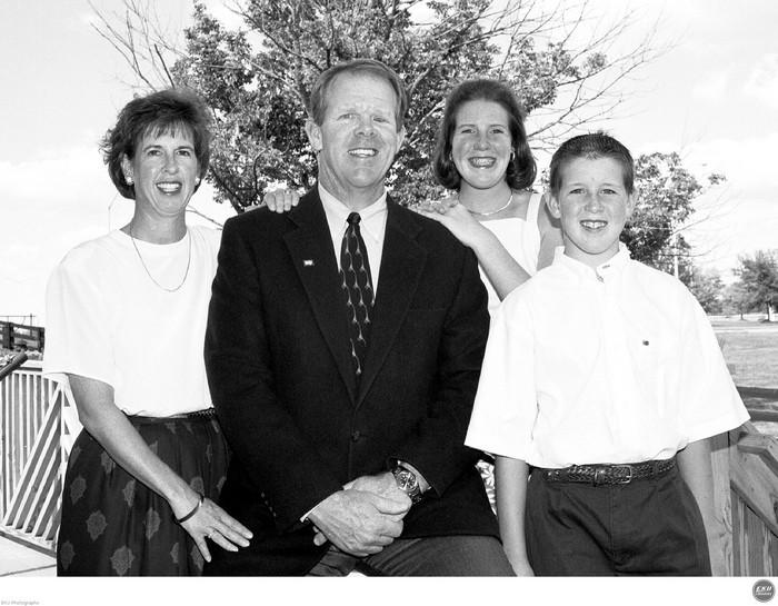 2001-07-20-chip_family.jpg