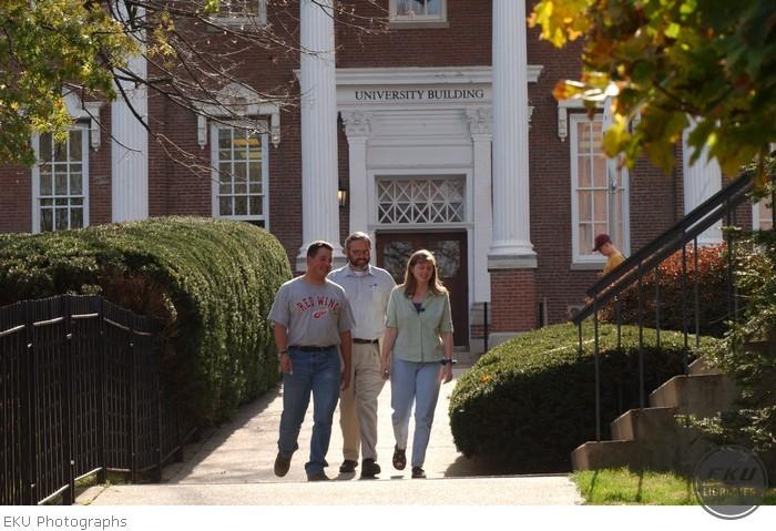 2001-11-02-campus_scenes_fall-a006.jpg